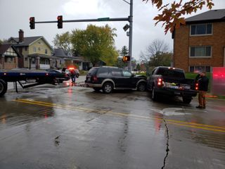 Three vehicles collide in Moline